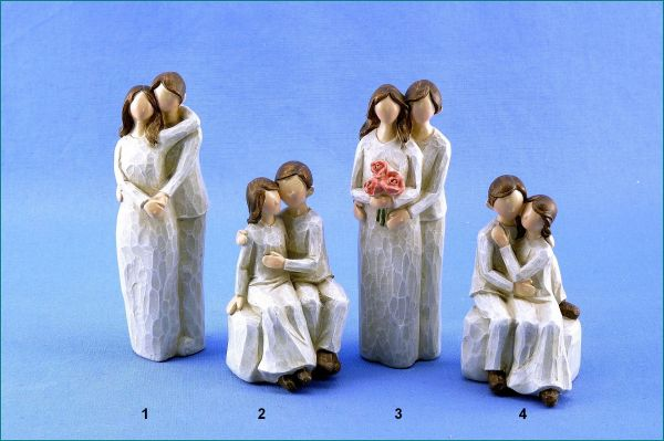 Poly Liebespaar stehend oder sitzend creme / braun in vier Variationen
