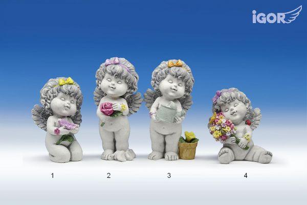 Engel Olga mit Blumen